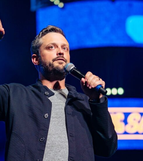 Comedian Nate Bargatze Isn't Smart Enough to Tell You What to Think